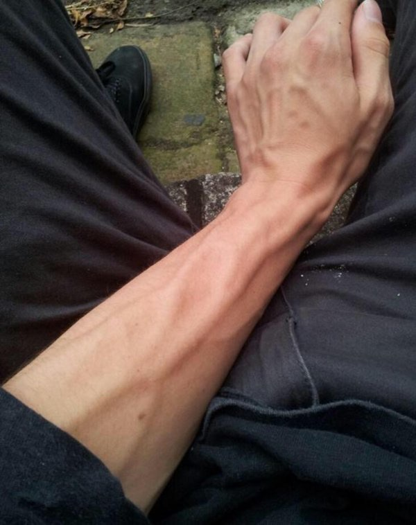 girls with veiny arms
