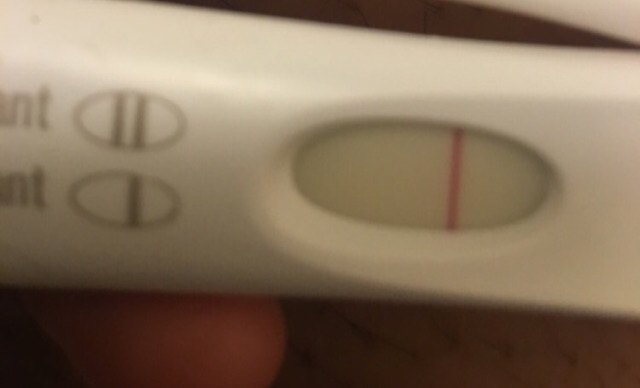 6 Days Early Detects Little As 20 Miu For The Hcg Hormone First Picture Is First Response Second 6 Days Earlier Seconds Is The Normal Pregnancy Test