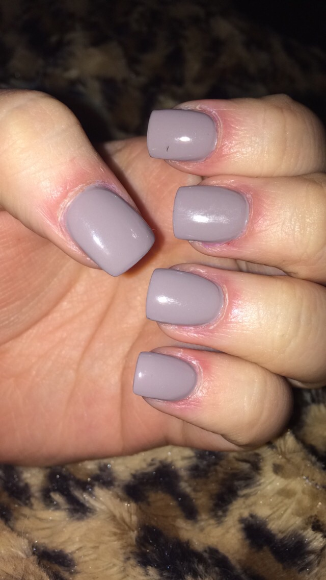 Acrylic nails..help! - Glow Community