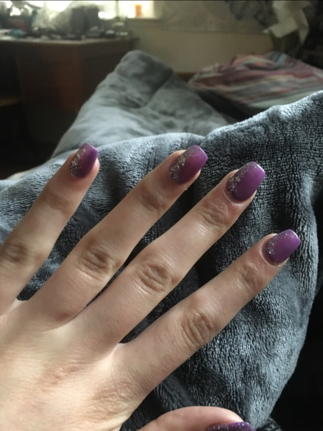 Are acrylic nails supposed to hurt? - Glow Community